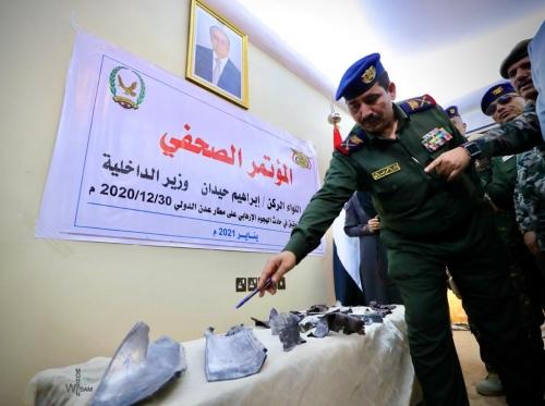 وزير الداخلية يكشف بالأدلة الفاعلين..  تدفق المواطنين على صالة مطار عدن الدولي انقذ الحكومة من موت محقق